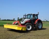 Univerzalna kontrolna ručica na univerzalnom traktoru