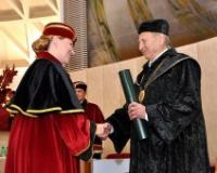 Titula počasnog doktora u Slovačkoj dodeljena profesoru Janu Kišgeciju